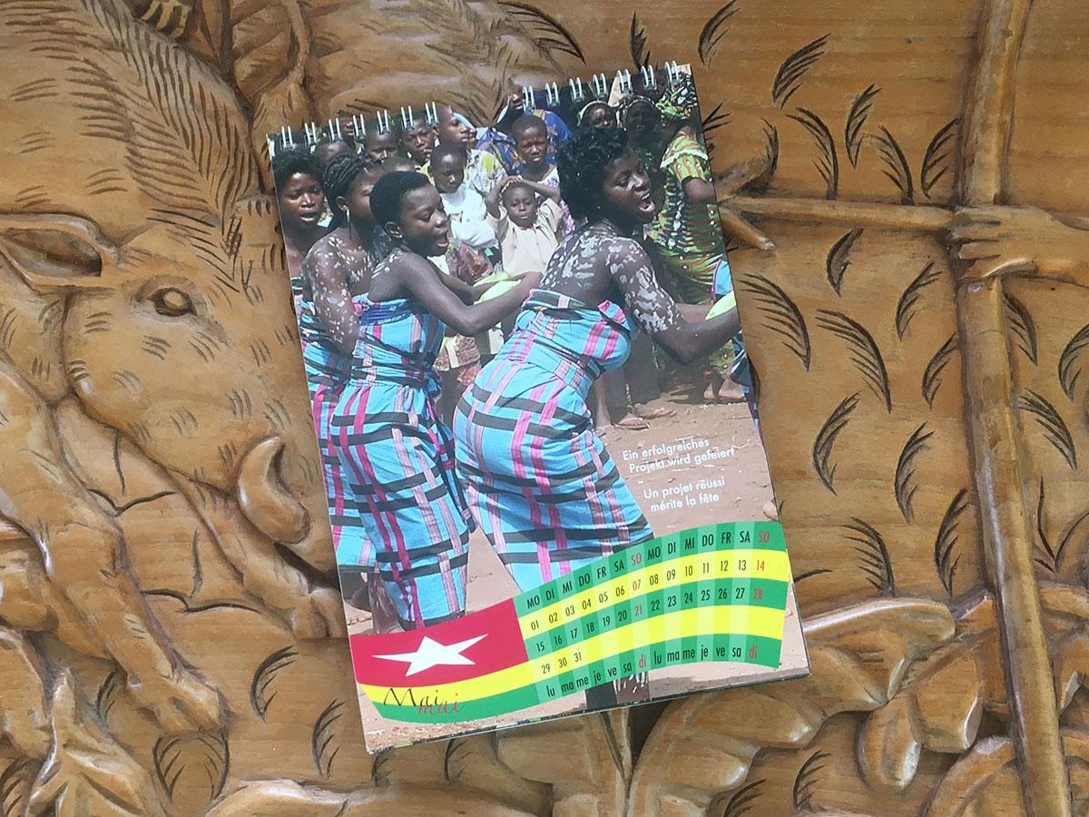 Das Mai-Blatt des Togo-Kalenders von 2006