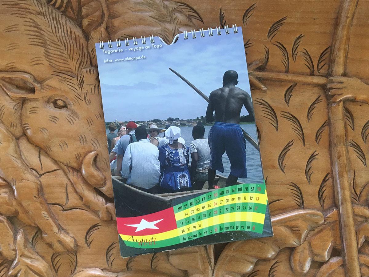 Das August-Blatt des Togo-Kalenders von 2006